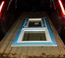 Ce soir ça a été la soirée des bonnes affaires ! 20 tôles de 2m30 x 1m et 1 fenêtre double vitrage 130cm x 60cm devinez le prix....