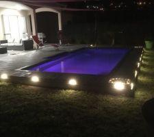 Eclairage de la plage de piscine