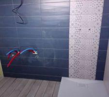 Salle d'eau étage - receveur, carrelage et faïence