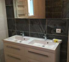 Salle de bain terminée, reste plus que le ménage ;)