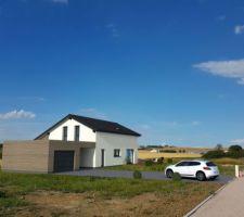 Insertion paysagère de la maison sur le terrain