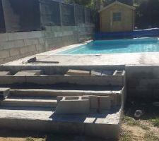 Escaliers piscine en cours
