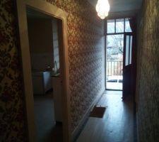 Couloir ou les murs vont tomber pour agrandir la cuisine