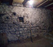 Mur du sous sol ,sous le salon