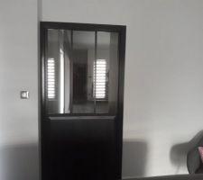 Porte galandage type verrière d'atelier