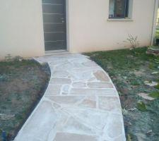 Accès fait dalles de pierres