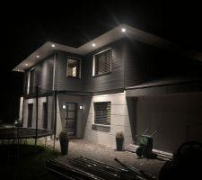 photos et id es eclairage ext rieur 666 photos. Black Bedroom Furniture Sets. Home Design Ideas