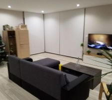 Salon de nuit avec meuble IKEA