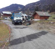 Décapage de la zone garage / accès : évacuation de la terre