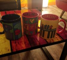 Mugs berlinois dans le salon