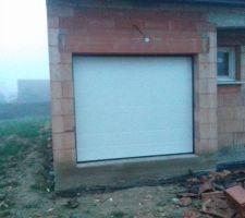 Pose porte de garage (à changer)