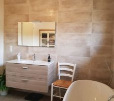 Salle de bain (enfin) terminée.