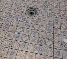 Carrelage douche salle de bain en cours