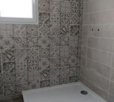 Pose de la faïence de la salle de bains (2eme).