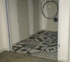 Carrelage WC étage.