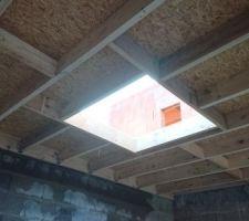 Toit plat du garage avec son futur puits de lumière