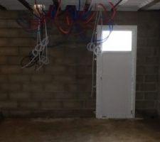 Vue de la porte du sous-sol
