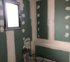 Salle de bains- Etage- Vue sur baignoire