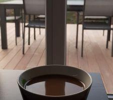 1er café vue sur la terrasse...c'est bon ça