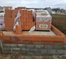 Premier rang de briques