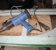 Décapeur thermique pour enlever l'ancienne peinture et l'ancien joint