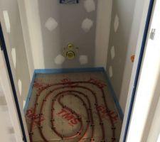 07/02/2019 : Pose de l'isolant de sol & du plancher chauffant- WC