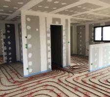 07/02/2019 : Pose de l'isolant de sol & du plancher chauffant- Pièce à vivre-cuisine