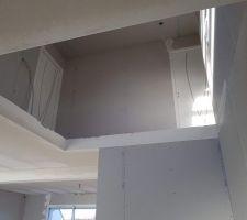 Vue d'une partie de l'étage depuis le rez-de-chaussée