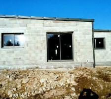 En exactement 3 mois ...fenêtres,Portes et toiture TERMIN2 :)