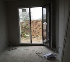 Bureau, vue depuis la porte