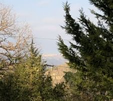 Vue côté nord de la maison avec Tourtour ( village dans le ciel)