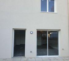 Baie vitrée et porte fenêtre du futur jardin