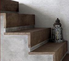 Pourquoi pas un habillage comme cela pour l'escalier béton menant à l'étage