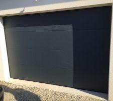 Un grand merci a Accessis et particulièrement à Mr Roques qui nous a généreusement offert une nouvelle porte de garage que nous avions accidentellement endommagé.