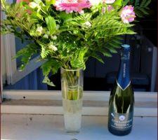 Un beau bouquet, du champagne et....les clés !!