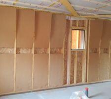 Début de pose de l'isolation intérieur en fibre de bois