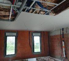 Le plafond du salon