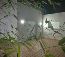 Terrasse terminée avec éclairage (et bambou !)