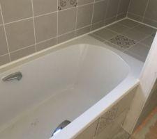 Salle de bain 2  Fond baignoire