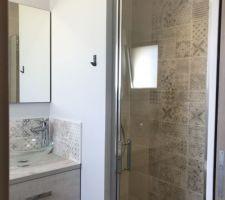 Salle d'eau parentale / installation porte de douche