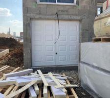 Porte de Garage à changer car dans le PLU les cassette ne sont pas autorisé
