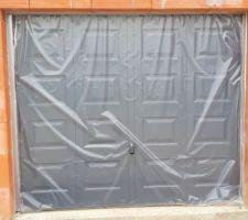 Porte de garage posée !