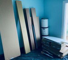 Le matériel pour l'aménagement de la deuxième chambre d'amis est arrivé...