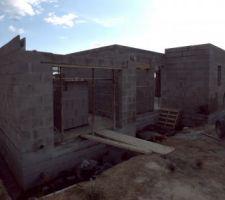 Pose des coffres - élévation des murs RDC