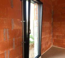 Porte fenêtre oscillobattant