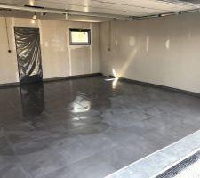 Semaine du 08/04/2019 au 12/04/2019 : Carrelage garage, faïences & finitions !