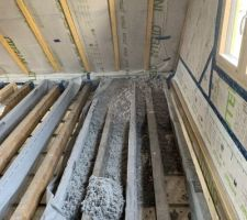 Isolation du plancher bois (ouate de cellulose)