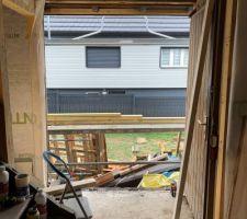 Dépose de l'ancienne fenêtre et agrandissement pour future porte d'entrée