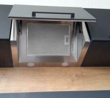 Cuisine - meubles suspendus pour hotte intégrée