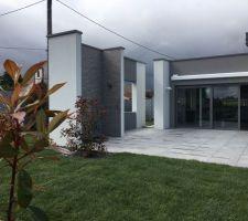 Gazon et terrasse